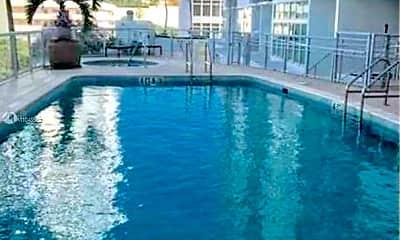 Pool, 2200 NE 4th Ave 1005, 2