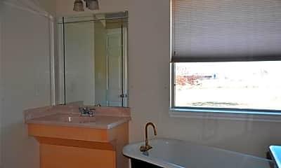 Bathroom, 8601 County Rd 1127, 2