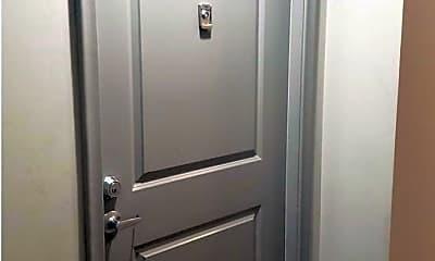 Bathroom, 1021 N Garfield St 744, 2