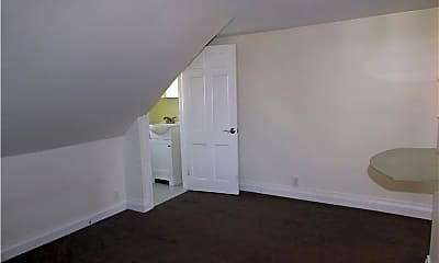 Living Room, 37 Thomas Ave, 2