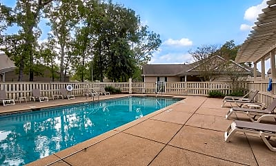Pool, Hillwood Pointe, 1