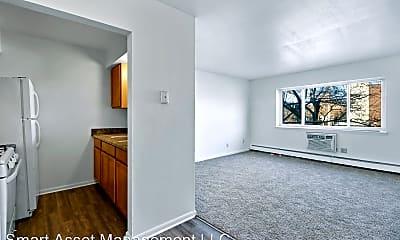 Living Room, 2809 W Highland Blvd, 1