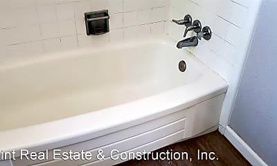 Bathroom, 1547 2nd Ave, 2