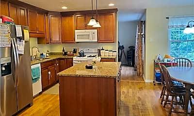 Kitchen, 211 Hummingbird Hill, 1