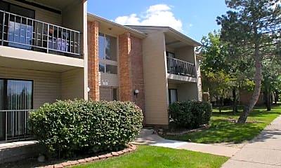 Building, Bedford Square Apartments, 0