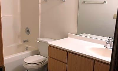 Bathroom, 611 Hill St, 1
