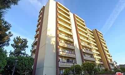 Building, 321 S San Vicente Blvd 503, 1