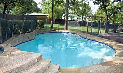 Pool, 3319 Barberry Road, 2