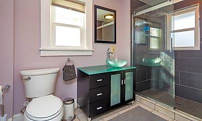 Bathroom, 208 E Bergen Pl, 2