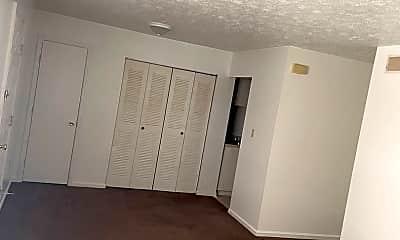 Living Room, 98 Andrea Dr, 1