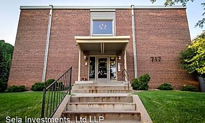717 University Ave SE, 1