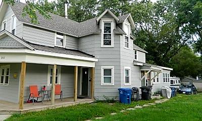 Building, 1311 E 9th St, 2