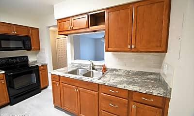 Kitchen, 600 Domenico Cir E6, 1