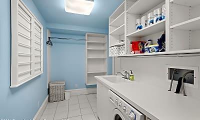 Bathroom, 200 W Hopkins Ave, 2