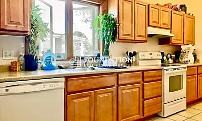 Kitchen, 101 Parsons St, 2