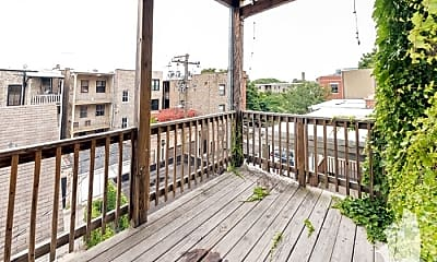 Patio / Deck, 851 W Wellington Ave, 2