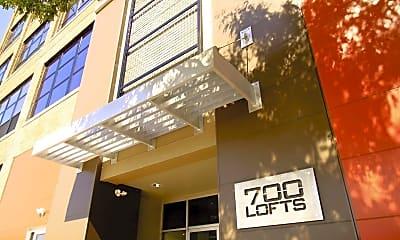 700 Lofts, 1