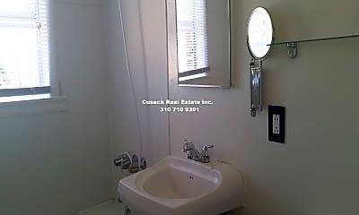 Bathroom, 636 S Cochran Ave, 2