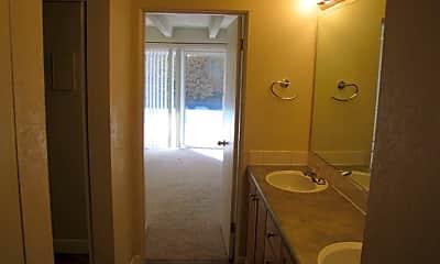 Bathroom, 200 Pearl St, 2