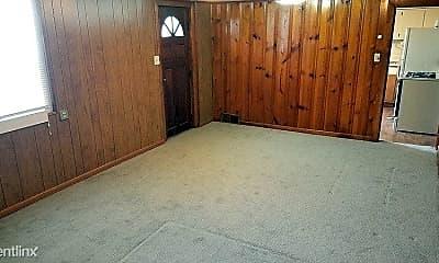 Bedroom, 900 E Illinois St, 1