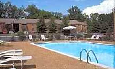 Pool, Tremont, 2