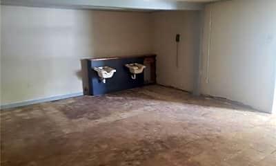 Living Room, 2836 Lynwood Dr, 2
