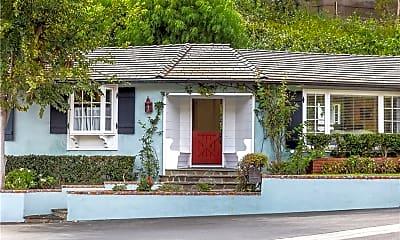 Building, 76 Emerald Bay, 1