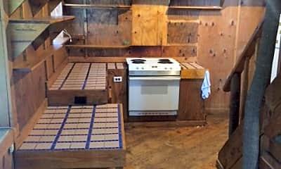 Kitchen, 517 W Phillips St, 1
