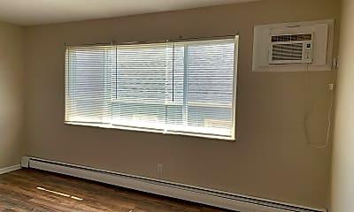 Bedroom, 2620 N Gettysburg Ave, 2