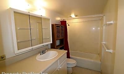 Bathroom, 1669 Kewalo St, 2