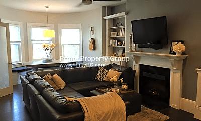 Living Room, 1402 Beacon St, 0