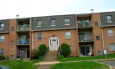 Monticello Square Apartments, 1