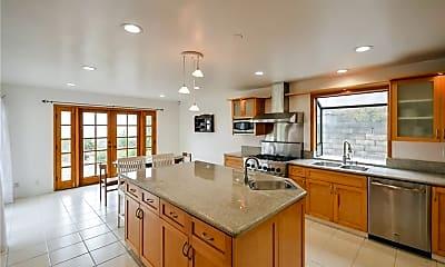 Kitchen, 3213 Carolwood Ln, 2