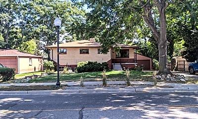 Building, 3920 N Harlan St, 1