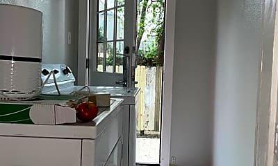 Bathroom, 1402 Shearn St, 2