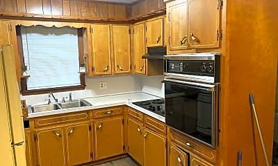 Kitchen, 801 Maderia Lane, 2