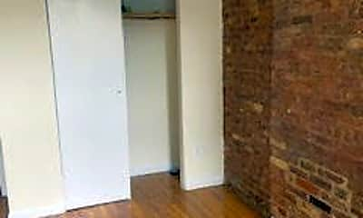 633 Grand Ave 2, 1