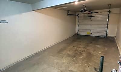 Living Room, 11585 SE Cranberry Dr, 2
