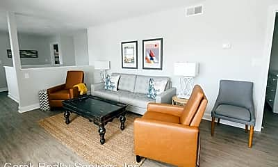 Living Room, 3216 Arctic Ave, 2