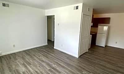 Living Room, 4581 High St, 1