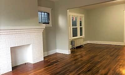 Living Room, 101 Southside Pkwy, 1