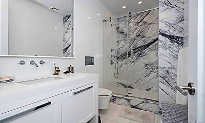 Bathroom, 14 E 4th St, 2