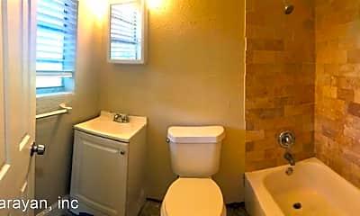 Bathroom, 940 Kaley Ave, 1