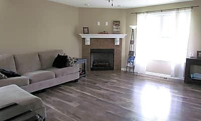 Living Room, 528 Falkland Cir, 1