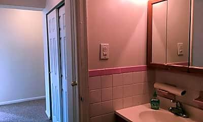 Bathroom, Haverford Manor, 2