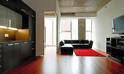 Living Room, 550 N St Clair St, 1