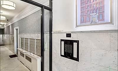 Bathroom, 304 E 20th St, 2