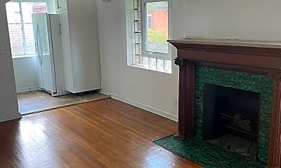 Living Room, 229 S Fairmount St, 0