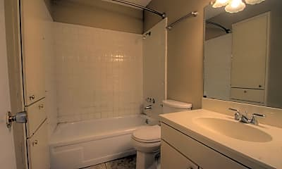 Bathroom, 119 San Saba Ln, 2
