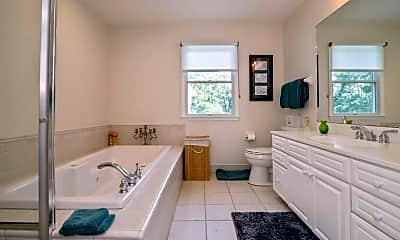 Bathroom, 4 Garland St, 2